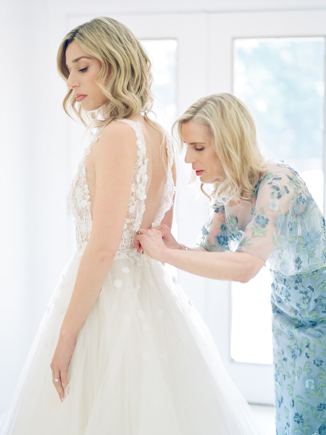 Press: Everything to Include in Your Wedding Day Emergency Kit